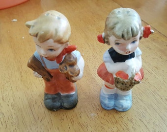Vintage Hummel-look salt and pepper shakers, vintage salt and pepper, kids salt and pepper, children salt and pepper, collectable shakers