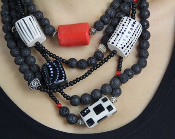 Hand made black necklace // ceramic beads // black and red beaded necklace