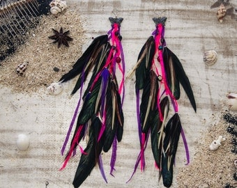 Daydreaming feather earrings pink purple