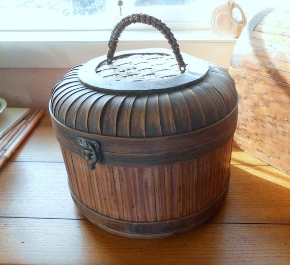 Round Wood Basket With Hinged Wicker Lid