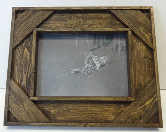 Rustic Home Decor Picture Frame in Brown, Barn Wood Style Frame, Country Farmhouse Shabby Decor 5x7