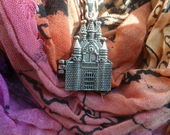 Harry Potter Hogwarts Castle Necklace