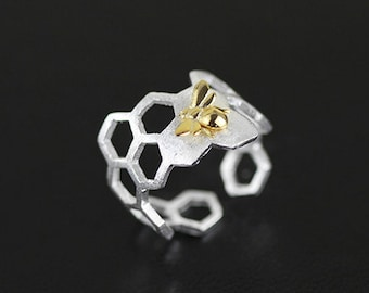 Sterling silver honeycomb ring, bees on the honeycomb,adjustable ring,unique gift,lovely and vivid.