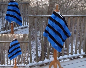 Crocheted poncho. Little girls poncho. Blue and black poncho. Spring poncho. Size 4/6.