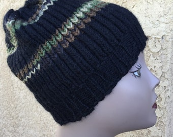 Camo Striped Hat -- a loom knit pattern