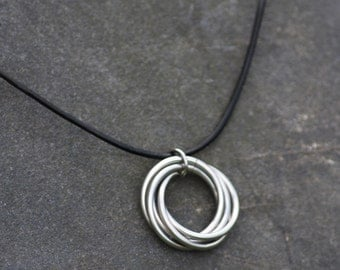 Infinity Ring Pendant, Fidget Necklace, Stainless Steel Möbius Rings Necklace, Forever Spiral