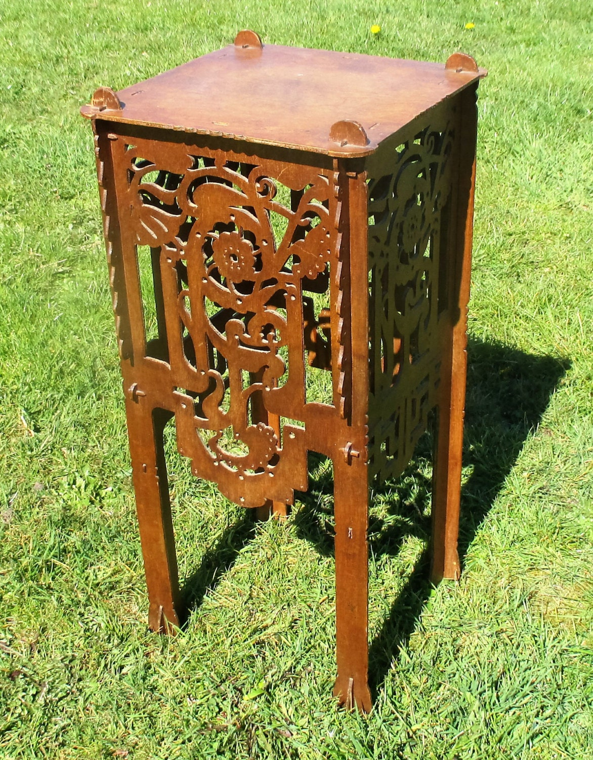 Pedestal table plant stand carved twisted ornate wood