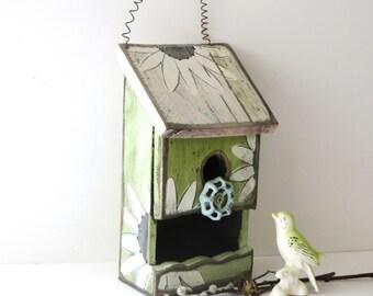 Bird House, Sunflower Birdhouse, Rustic Wood Birdhouse, Outdoor Birdhouse, Recycled Birdhouse, Primitive Birdhouse