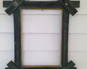 Tramp Art Country Victorian Picture Frame Wooden Carved Vintage