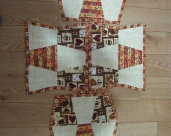 Thanksgiving/Autumn placemats, matching table runner