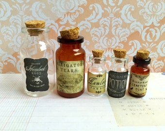 A set of 5 Poison Different Sizes of Apothecary Miniature Jars/Mini Potion Bottles/Halloween Decorations/Witch's Brew - Ready to Ship