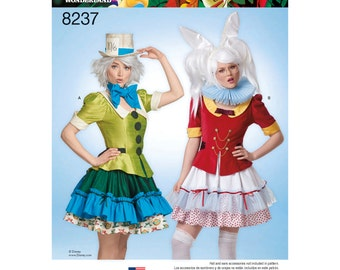 Simplicity Pattern  8237 Misses' Alice in Wonderland Costume