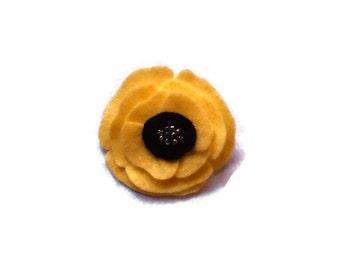 Felt poppy brooch / pin - Friendship poppy