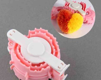 Heart shape pom pom maker