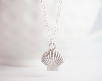 Sea Shell Necklace - Shell necklace - Shell jewelry - nautical necklace - beach jewelry - Sterling Silver Shell
