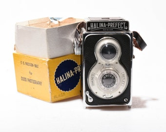 Halina-Prefect Senior: Pseudo Twin-Lens 120 Rollfilm Camera