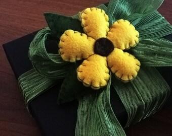 Felt flower favor Decoration