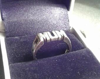 Sterling Silver ''MUM'' ring