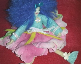 Posable doll.Rosie the seeker.artist created.8INCHES