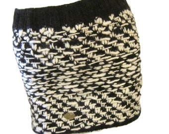 Handcrafted - Made By Rosa In Peru - Wool Mini Skirt - Size Small