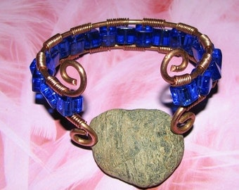 B25 - Woman's Copper Wire Twist Bracelet with Clear Glass Beads - Adjustable
