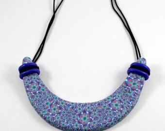 Lightweight bib necklace