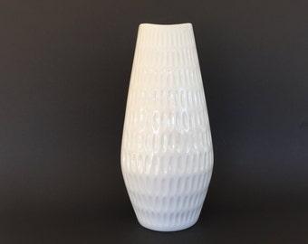 Schumann Arzberg Bavaria 1960s Op Art white  porcelain fishmouth vase   Mid Century Modern minimalist vase West Germany.