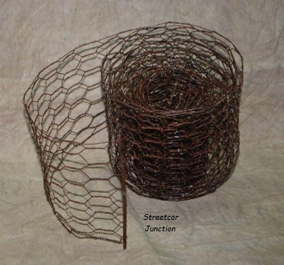 Rusty Chicken Wire Craft