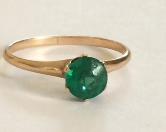 Vintage Emerald Doublet Solitaire Ring in 10K Yellow Gold Size 8