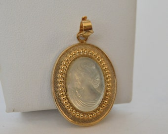 Gold Tone Translucent Celar Glass Cameo Victorian Lady Pendant