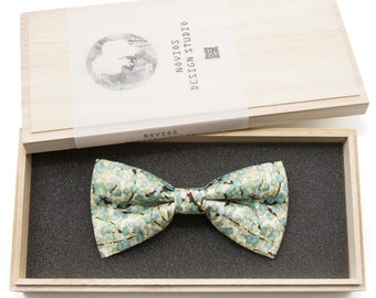 Japanese floral 3 Bowtie - Modern Boys Bowtie, Toddler Bowtie Toddler Bow tie, Groomsmen bow tie, Pre Tied and AdjustableNovioshk, H0263