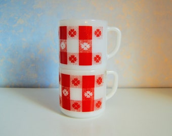 Federal Country Gingham Coffee Mugs / Cups, Set of 2. Red and White Picnic Checker table, FEDERAL GLASS