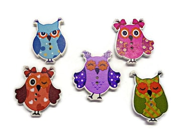 5 owl buttons, wooden owl buttons, novelty owl buttons, cute owl buttons, multicolour owls, cardmaking supplies, uk button supplies