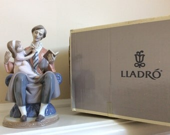 Lladro's Father Reading to His Daughter Lovely Figurine in the original Box and Tags #5584.