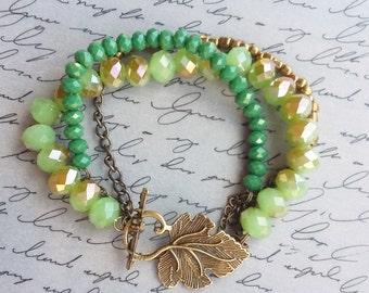 Green Leaf Bracelet, Green Beaded Bracelet, Nature Jewelry, Leaf Jewelry, Boho Bracelet, Bronze Leaf Bracelet, Handmade Jewelry