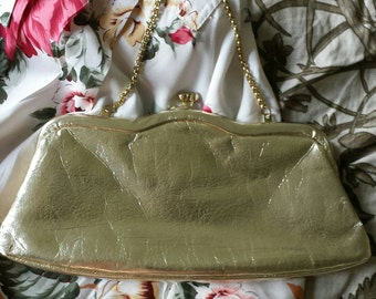 Vintage 60s mod gold clutch handbag purse with chain handle womens clothing accessories