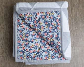 Ready to Ship Grey and White triangle quilt / Floral Quilt / Modern triangle quilt