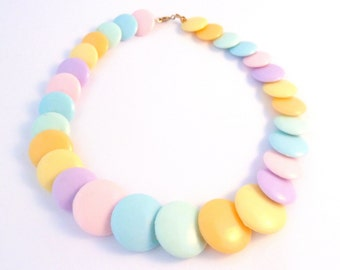 Vintage Pastel Shades Disc Bead Short Choker Necklace.