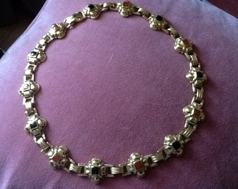 Beautiful Vintage Etruscan Style Necklace