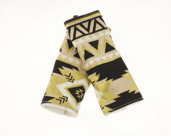 Carseat Strap Covers in Black & Gold Aztec
