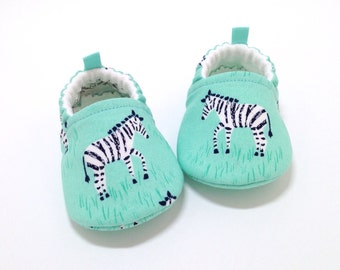 Zebra Baby Shoes, Soft Sole Baby Shoes, Green Baby Booties, Green Toddler slippers, Baby Shower Gift, Baby Gift, Gender neutral, zebras
