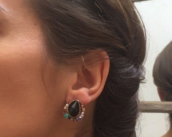 Chic and simple earrings