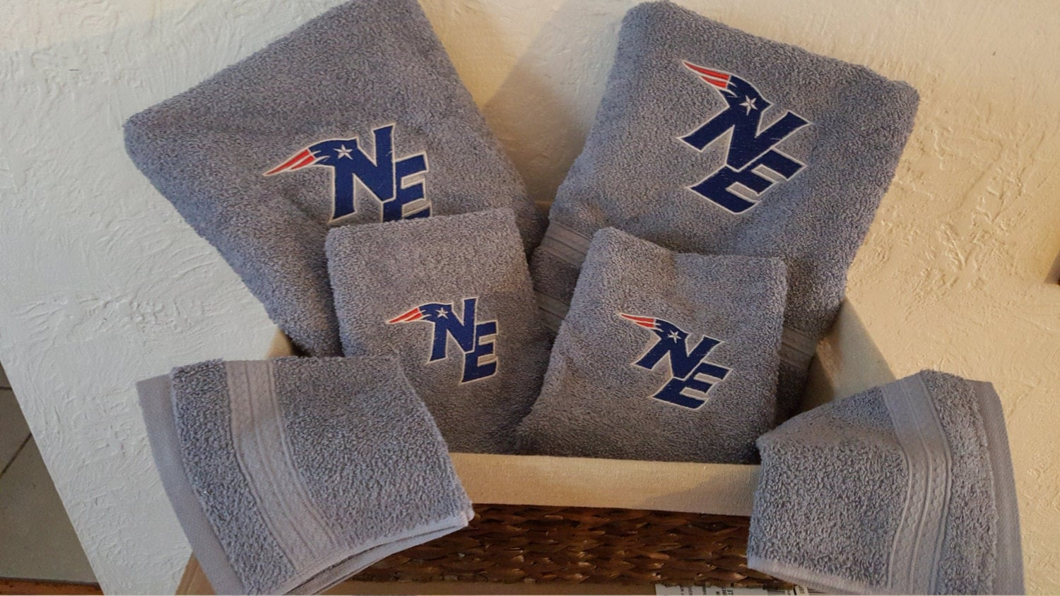 New England Patriots Bathroom Towel Set By