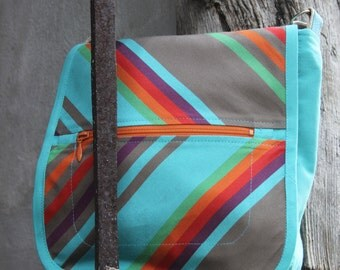 Bag turquoise striped