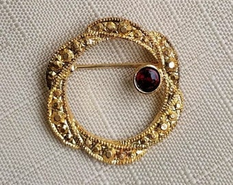 Vintage Gold Circle Brooch