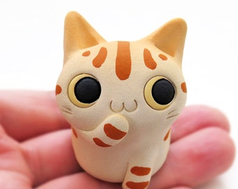 "Cat figurine of Ceramics ""A pretty small brown tabby cat"" 猫 置物  工房しろ 日本"