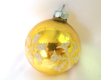 Vintage Christmas Ornament, Bright Gold Stenciled Snowflakes Ornament with Venetian Dew