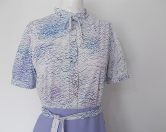 Vintage dress 1970's lilac pussy bow shirt waister Dress size Small
