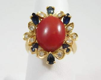 Ladies 18 kt Yellow Gold Coral Cabochon Ring