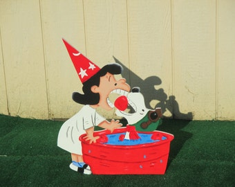 Peanuts Lucy and Snoopy Halloween Yard Sign